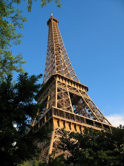 Hasil carian imej untuk Gambar Paris