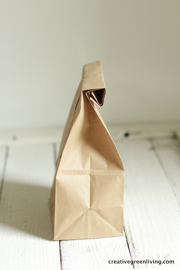 how to use an uncoated paper bag to make microwave popcorn at home