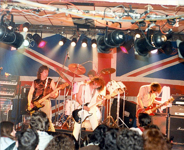 Dr. Jimmy... The WHO show on stage at Beggar's Opera rock club 1981