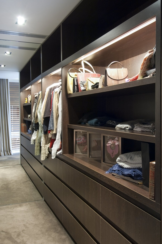 Walk in closet in the Modern Vaucluse House A