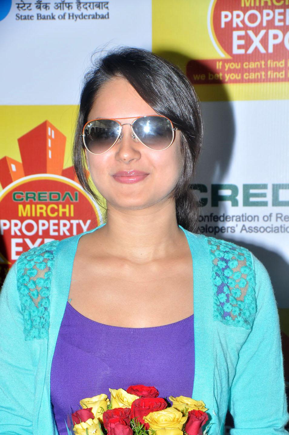 Pooja Bose In Jeans Pooja Bose stylish sti...