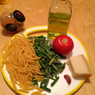 Pasta al pomodoro con judias verdes, ingredientes