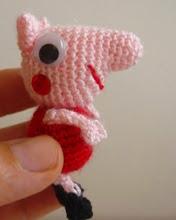 http://amigurumilacion.blogspot.com.es/2014/09/mini-peppa-pig-amigurumi-patron-libre.html