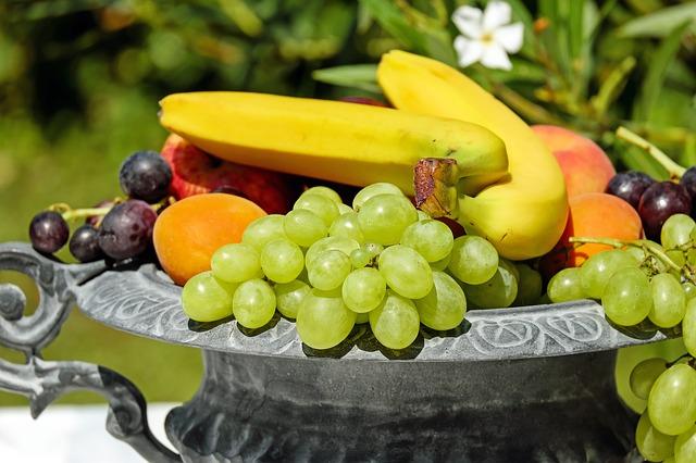health-benefit-of-apple-mango-banana