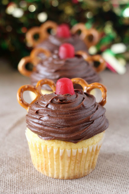 Super cute and easy to make, these Rudolph cupcakes are sure to make your day more festive!