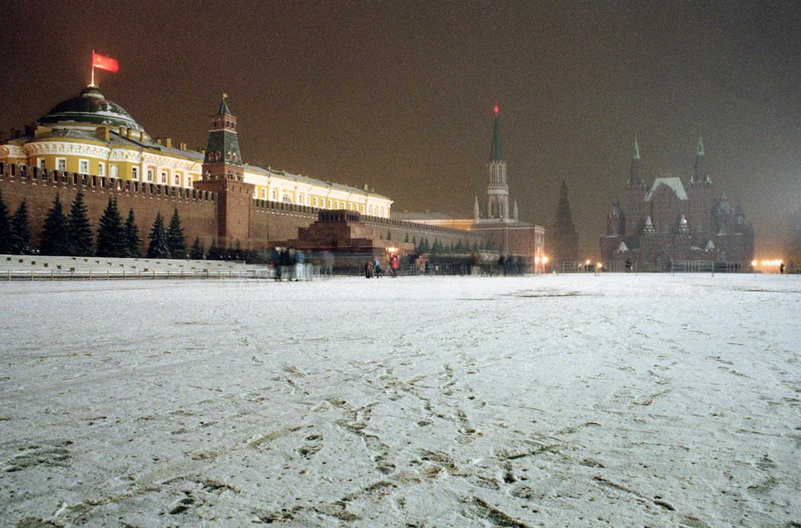 or one of the last times, the Soviet flag flies over the Kremlin at Red Square in Moscow, on Saturday night, December 21, 1991. The flag was replaced by the Russian flag on New Year's.