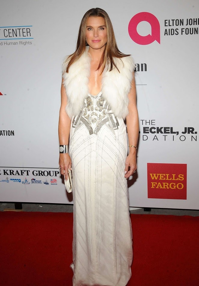 Brooke Shields Dazzles In A Low Cut Gown At The Elton John