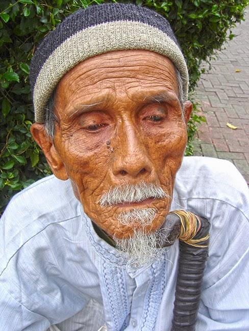 Anciano indonesio, en Bogor