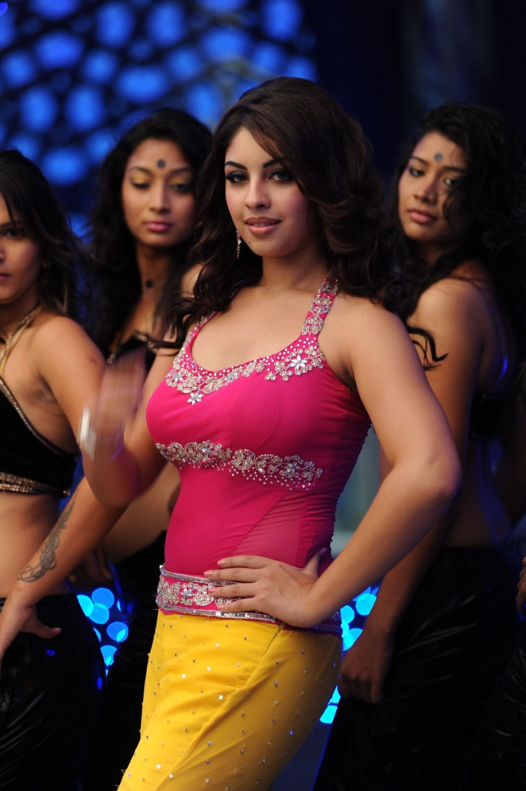 Rosy beautiful Richa Gangopadhyay shooting stills