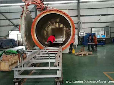 Horizontal-Composite-Autoclave-Installed-and-Used-On-Site-In-Xi'an-