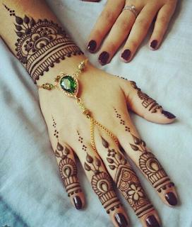 Mehndi designs simple