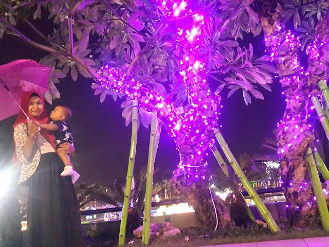 Spot Foto Pohon Anggur Food Junction Surabaya