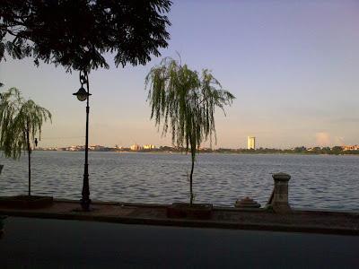Anh vọng nghe tiếng em hát bên hồ- Phạm Ngọc Thái