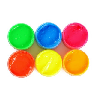 JELLY BEAN PAINT FOR KIDS- how cool!!  I am going to use some of our Easter candy for this!