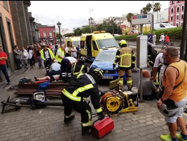 Una mujer grave al ser atropellada en mercado de Vegueta