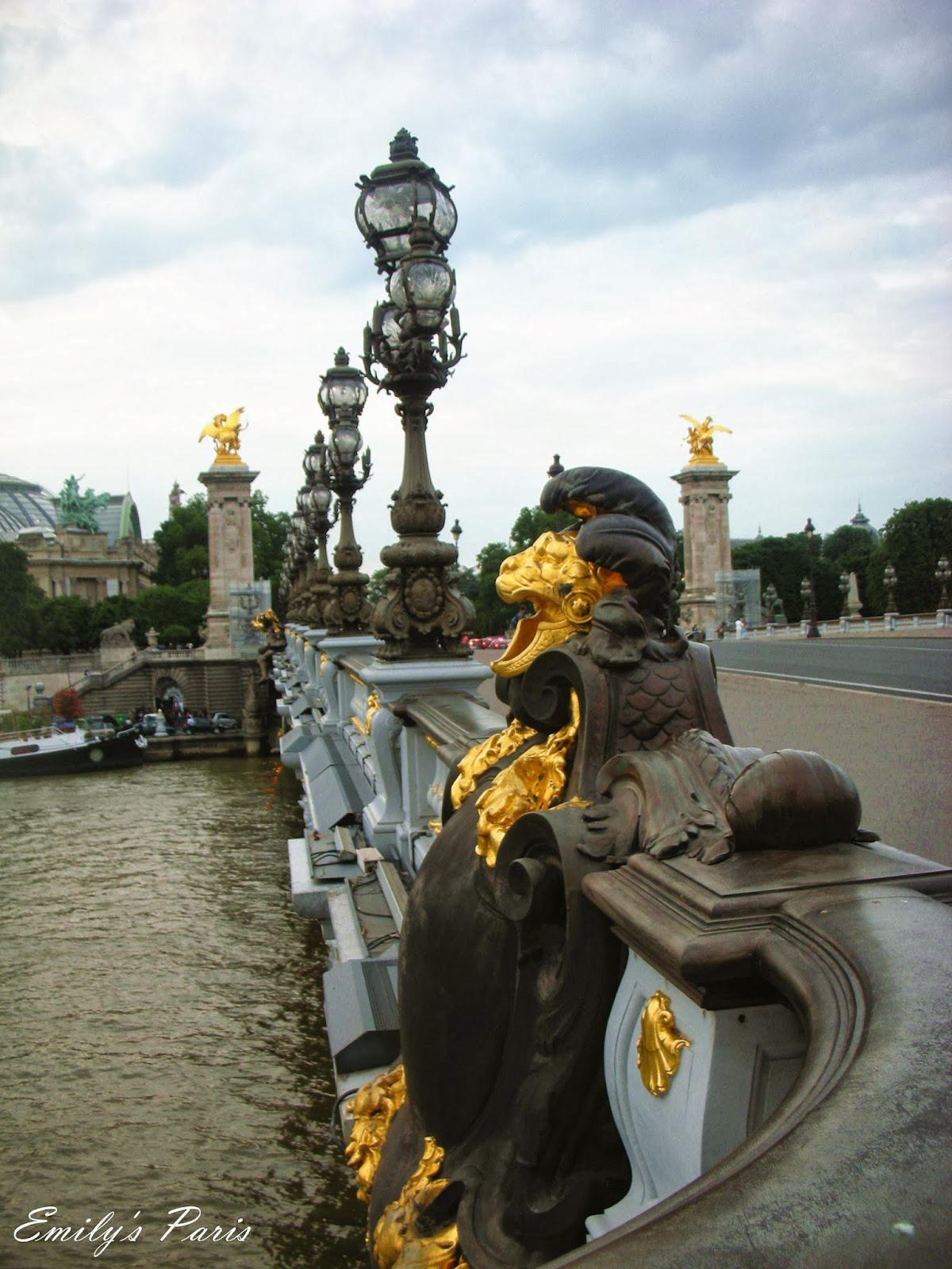 A good year in France: 2013年6月法國巴黎之旅~艾菲爾鐵塔La Tour Eiffel,亞歷山大三世橋Pont Alexandre III