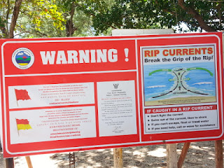 Warning sign for rip current - Thailand