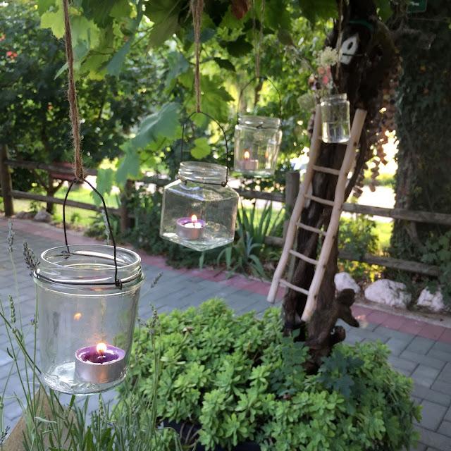 hanging marmelade jar