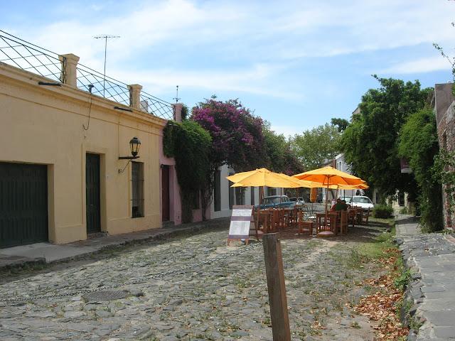 Rua de estilo espanhol em Colonia del Sacramento - Uruguai