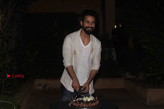 Shahid Kapoor Birthday Celetion Pos  0042.jpg