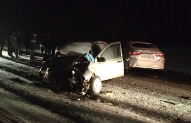 В Башкирии столкнулись три машины, погибли два человека