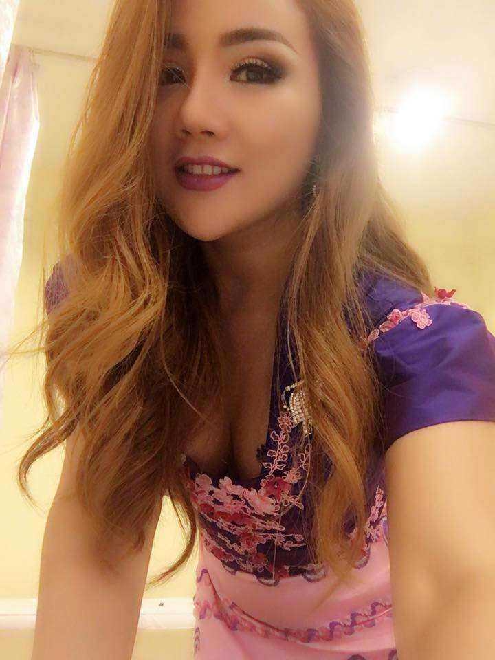 Nang Thiri Maung Cute Selfies Shots In Myanmar Outfit