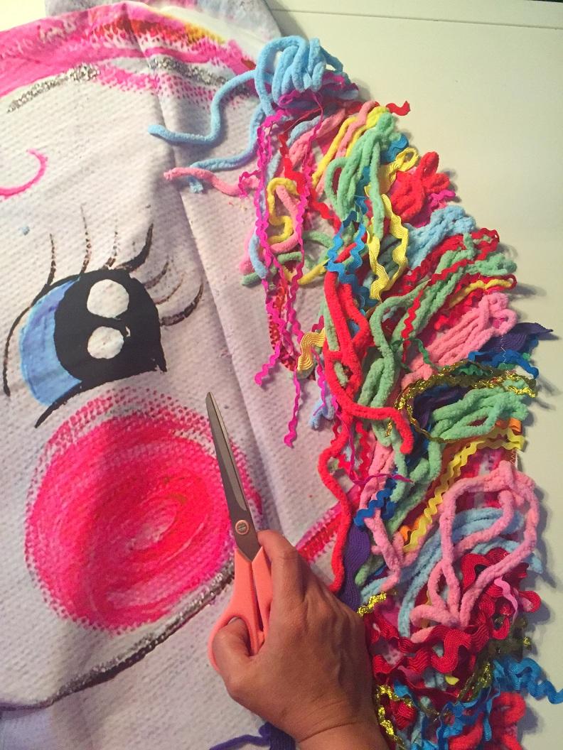 milli zwergensch n how to sew a unicorn stoff. Black Bedroom Furniture Sets. Home Design Ideas