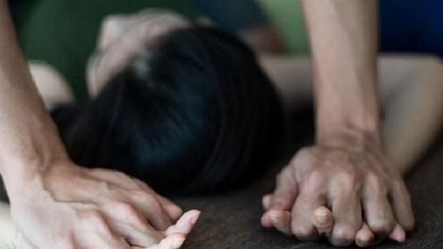 Pulang Cari Nafkah, Ayah ini Kaget Lihat Putrinya Lagi Berhubungan Badan dengan Om Om di Dalam Rumah