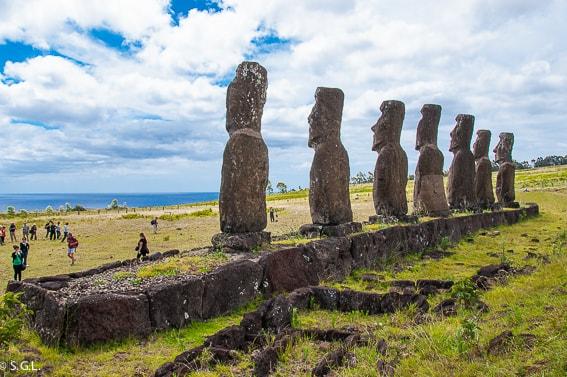 Ahu Akivi. Moai mirando al mar. Isla de Pascua