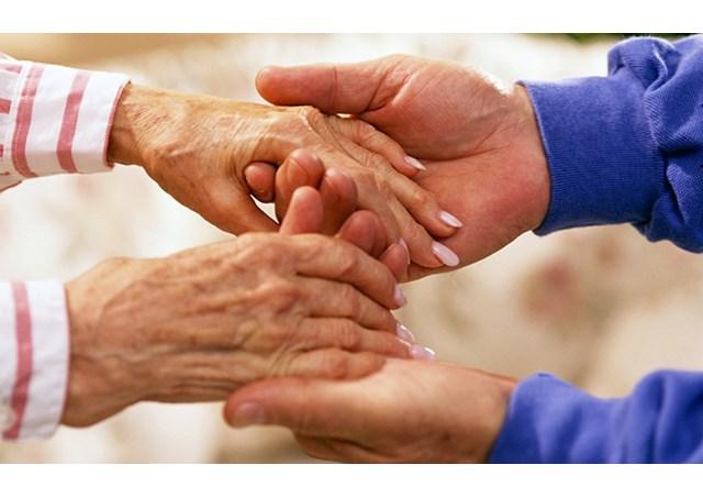 موضوع وكلمة واذاعة عن حقوق المسنين