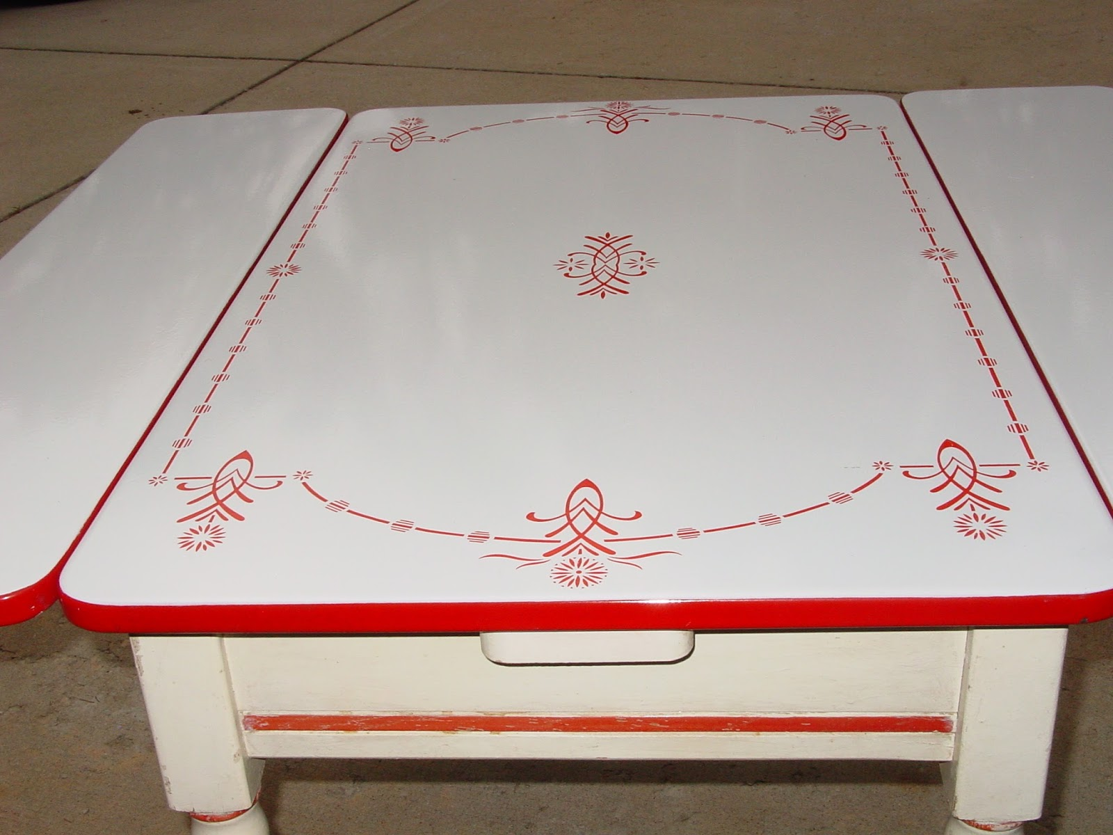 Fox Den Findings: Enamel Top Kitchen Table with 2 Leaves ...