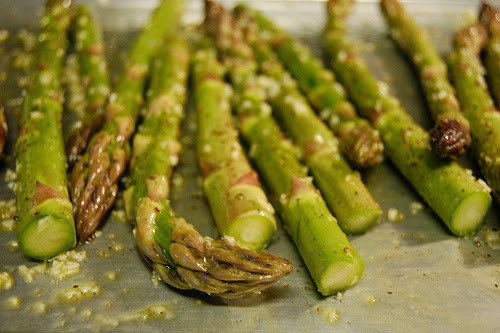 Quick roasted asparagus with garlic by Eve Fox, the Garden of Eating, copyright 2010