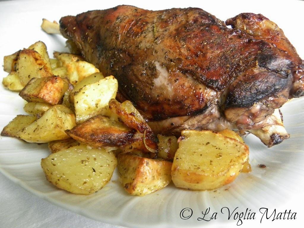 ricetta cosciotto di agnello al forno con patate