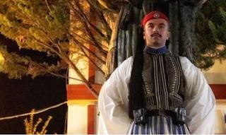 Συγκινούν οι γονείς του αδικοχαμένου Εύζωνα: Ο πόνος μας έγινε πόνος για όλους τους Ελληνες