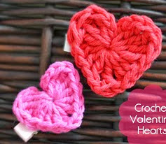 http://translate.googleusercontent.com/translate_c?depth=1&hl=es&prev=/search%3Fq%3Dhttp://www.thestitchinmommy.com/search/label/crochetpattern%26safe%3Doff%26biw%3D1429%26bih%3D984&rurl=translate.google.es&sl=en&u=http://www.thestitchinmommy.com/2013/01/valentines-day-crochet-heart.html&usg=ALkJrhgGKVZwqVL-R09ufrX_BhCZenX6GQ