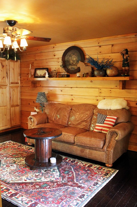 Log Home Tour Series: The Pioneer Girl's Cabin. This couple handbuilt their amazing cozy log cabin!