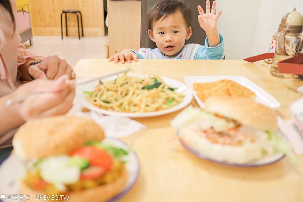 台中太平小豬の家中西式蔬食早午餐,餐點選擇多,環境舒適