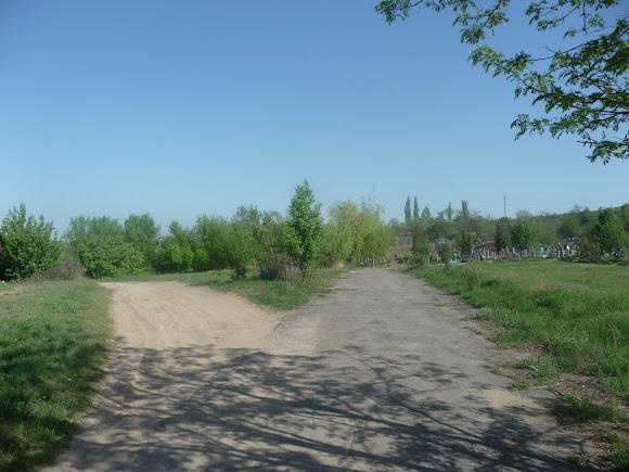 Олексієво-Дружківка. Поворот до озера