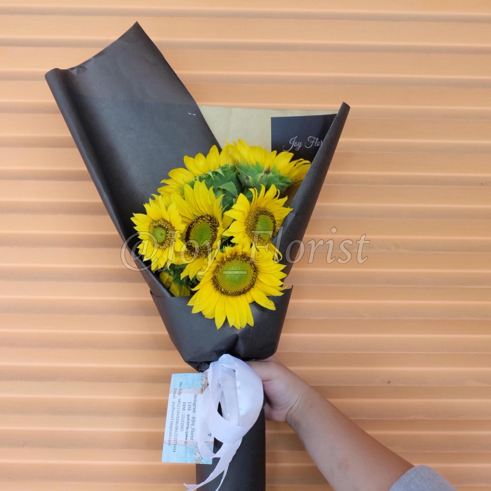 Hand Bouquet Sunflower 2 JOY FLORIST