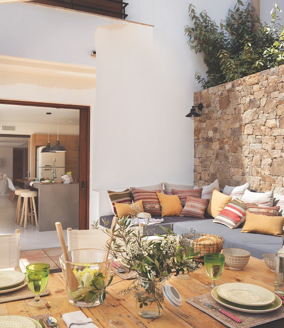 terasa amenajata in stil mediteranean