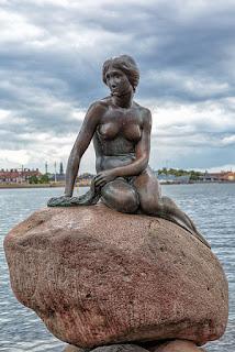 Σαν σήμερα η Μικρή Γοργόνα κάνει διάσημη την Κοπεγχάγη!