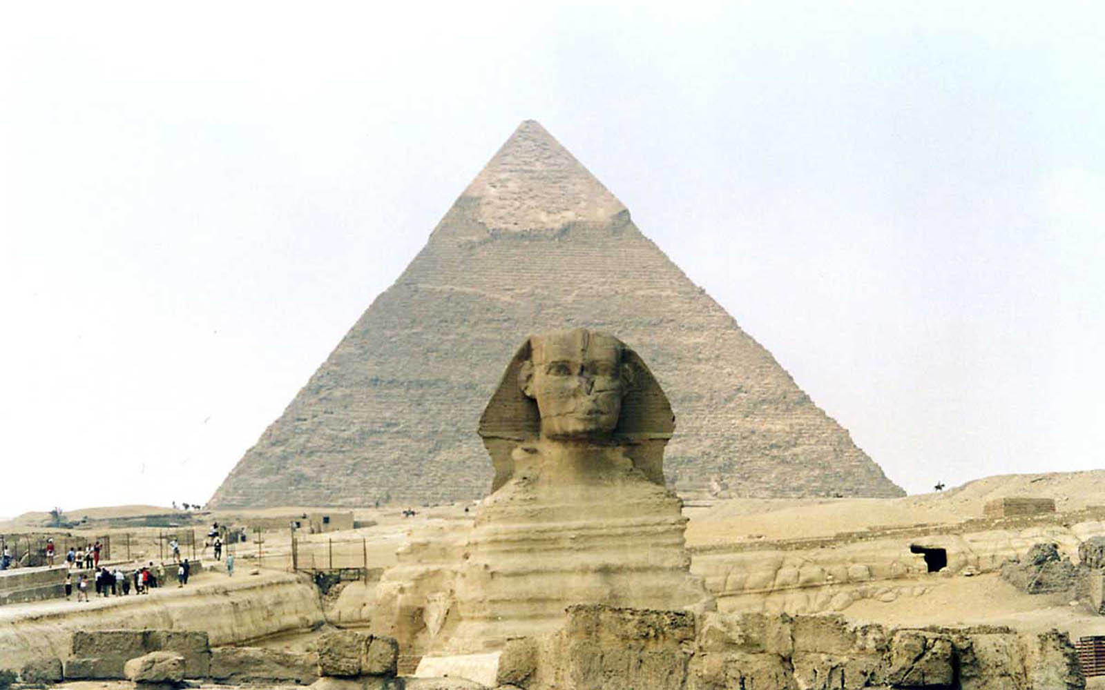 pyramid background-#16