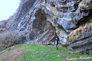 Entrada-Cueva-Arpea-Selva-Irati