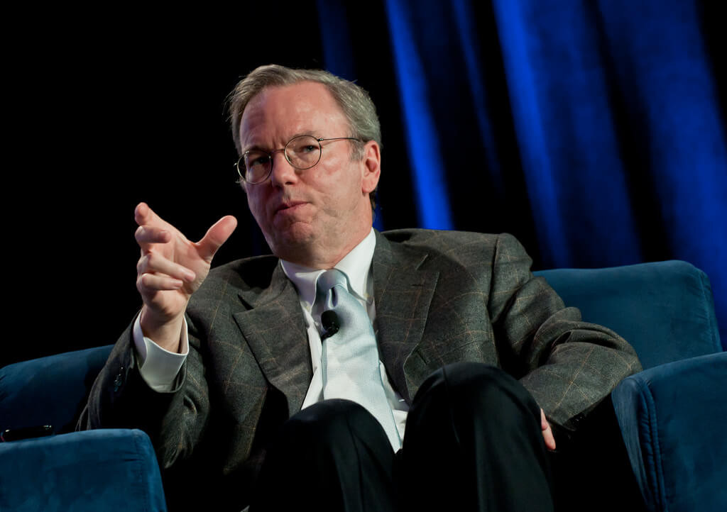 Google's Former CEO Predicts | Internet will be Divided Between US And China
