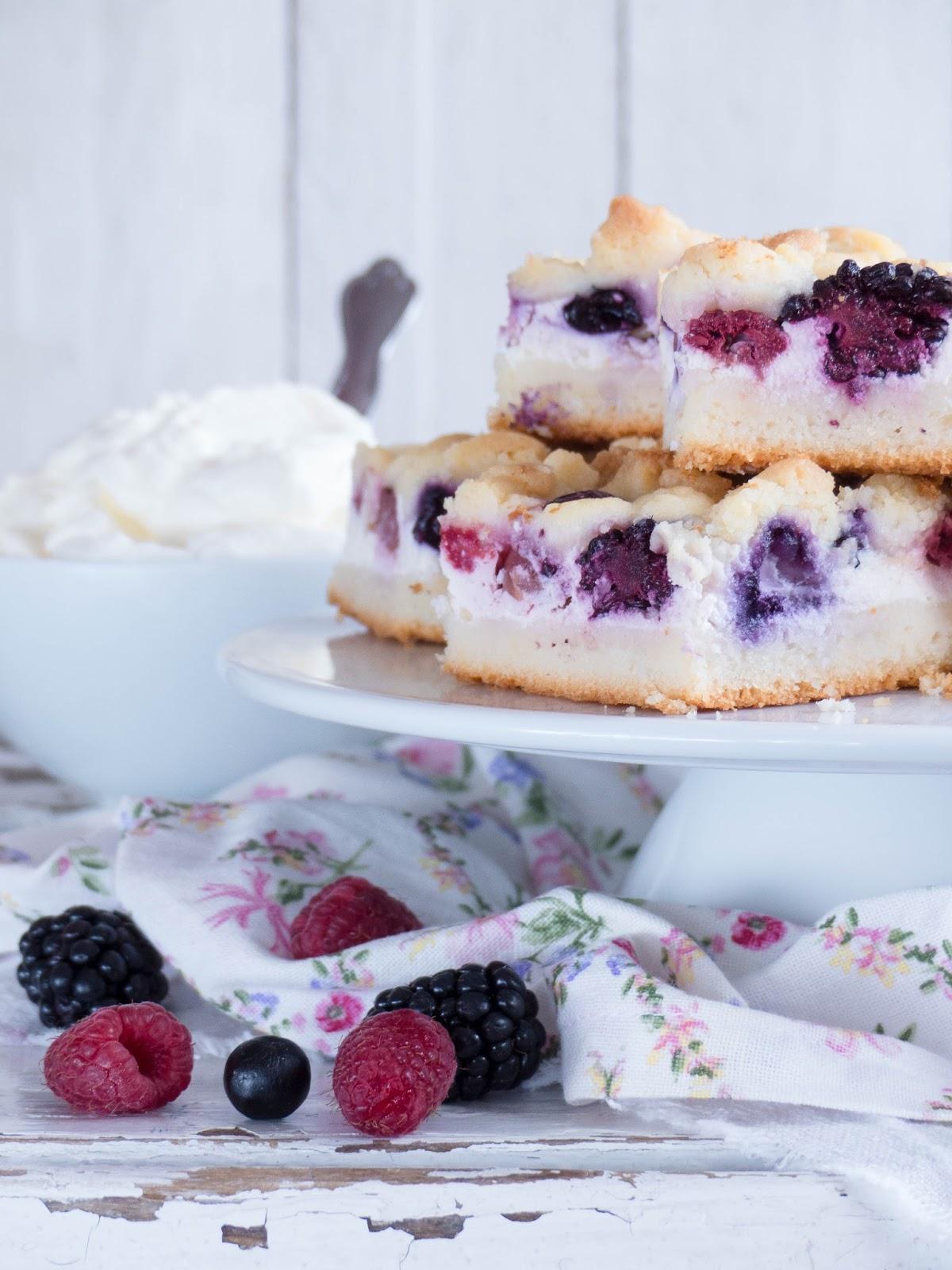 Sommer Beeren Cheesecake Streusel Kuchen Vom Blech Meine