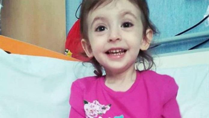 Salviamo Elisa, la bimba affetta da rara leucemia che ha bisogno della donazione di midollo osseo