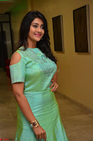 Pooja Jhaveri in Beautiful Green Dress at Kalamandir Foundation 7th anniversary Celebrations ~  Actress Galleries 058.JPG