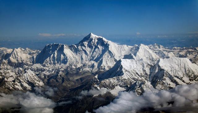 himalayalarda-everest-dağı