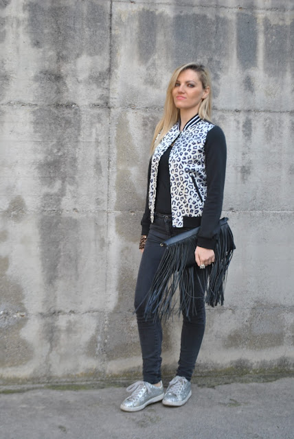 jeans skinny neri come abbinare i jeans skinny neri abbinamenti jeans skinny neri black skinny jeans how to wear black skinny jeans how to combine black skinny jeans how to match black skinny jeans blondie blonde girls blonde hair outfit febbraio 2016 outfit invernali casual winter outfits february outfits mariafelicia magno fashion blogger colorblock by felym fashion blog italiani fashion blogger italiane blog di moda blogger italiane di moda fashion blogger bergamo fashion blogger milano fashion bloggers italy italian fashion bloggers influencer italiane italian influencer