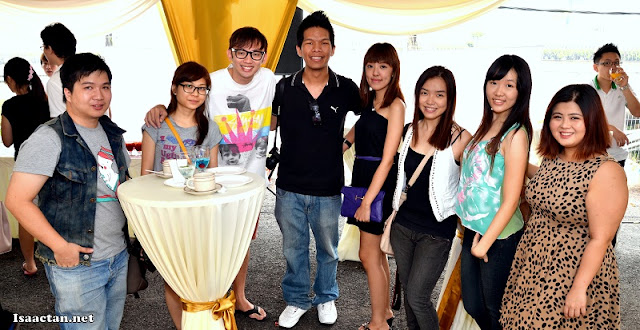 A group shot of some of the bloggers that were present at the Grand Opening of Maju Home Concept